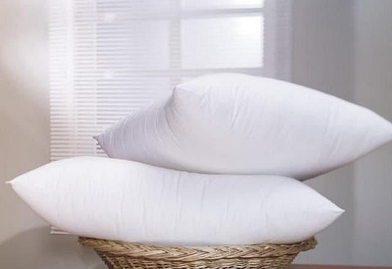 Трюки, которые знают не все: Как правильно чистить подушки