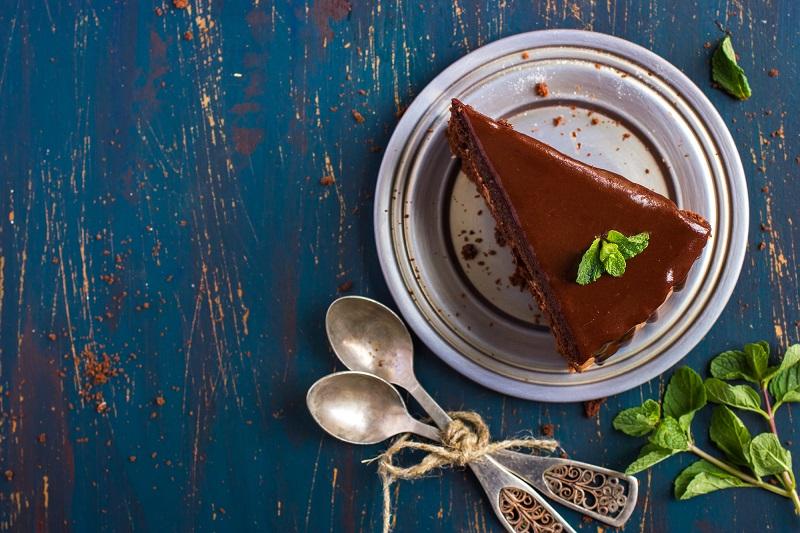 Долго у плиты не стою, надо спешить на работу. Торт без муки и без выпечки.