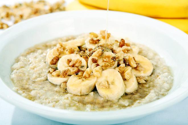 9 полезных свойств овсянки и рецепт отличного завтрака