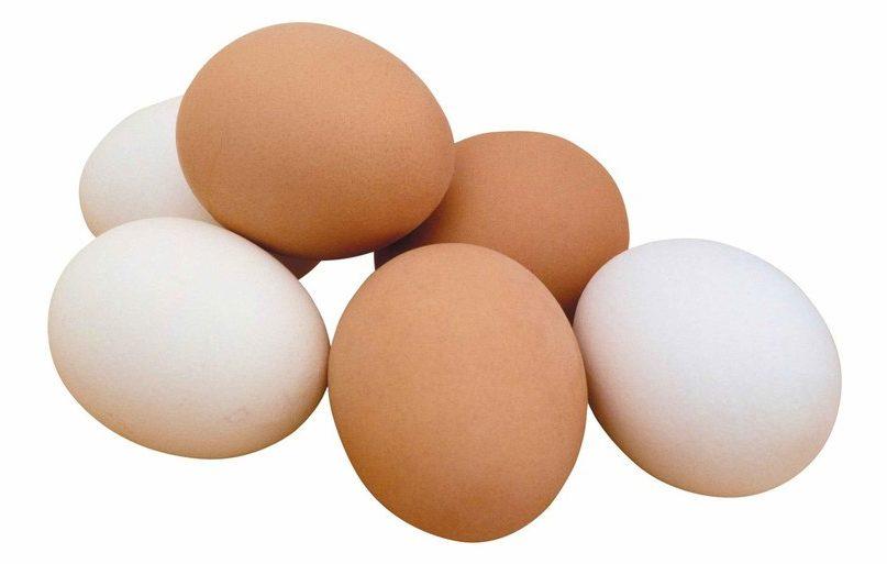 Если заболели гриппом или простудой - идите к холодильнику. Вам поможет куриное яйцо