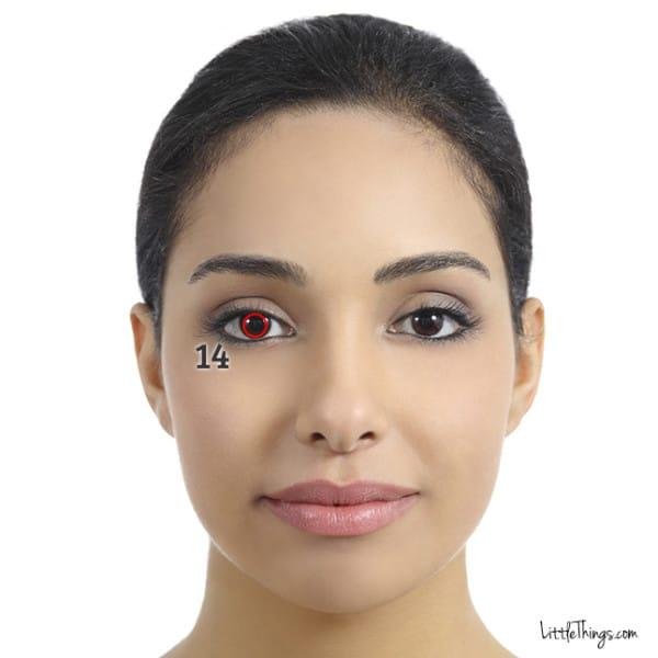 Вот что означают морщины и пятна в этих местах на лице