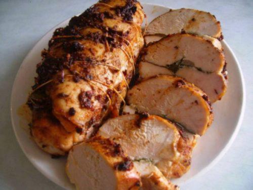 Домашняя колбаса и мясная нарезка на Новый год: 6 лучших рецептов