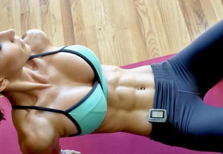 Эффективная жиросжигающая тренировка в домашних условиях. Всего 10 минут!