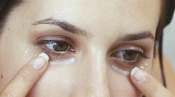 Маска с пищевой содой маска против мешков под глазами, темных кругов и опухших век – Рецепт!