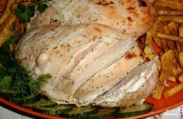 Диетическая тушеная куриная грудка в кефире